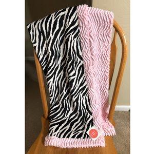 NWT Sew Sweet Minky Blanket